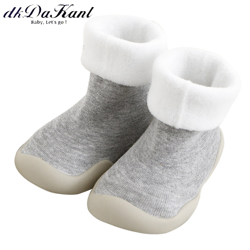 dkDaKanl 2018 winter warm baby moccasins Solid anti slip socks with rubber sole Thickened kid shoes for boys girls baby SO521C
