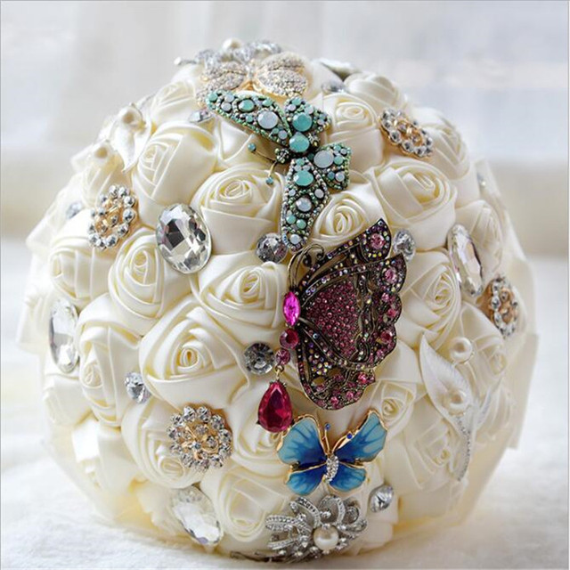 New Arrival Ivory White With Butterfly Bridal bouquet de Decorative Artificial Bridesmaid Crystal Wedding Bouquet