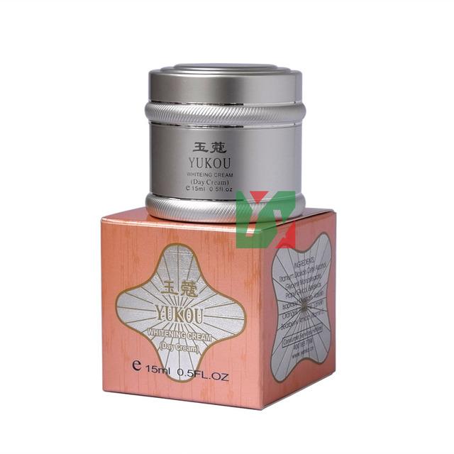 YUKOU rejuvenecimiento blanqueamiento crema de día 15 ml/unids