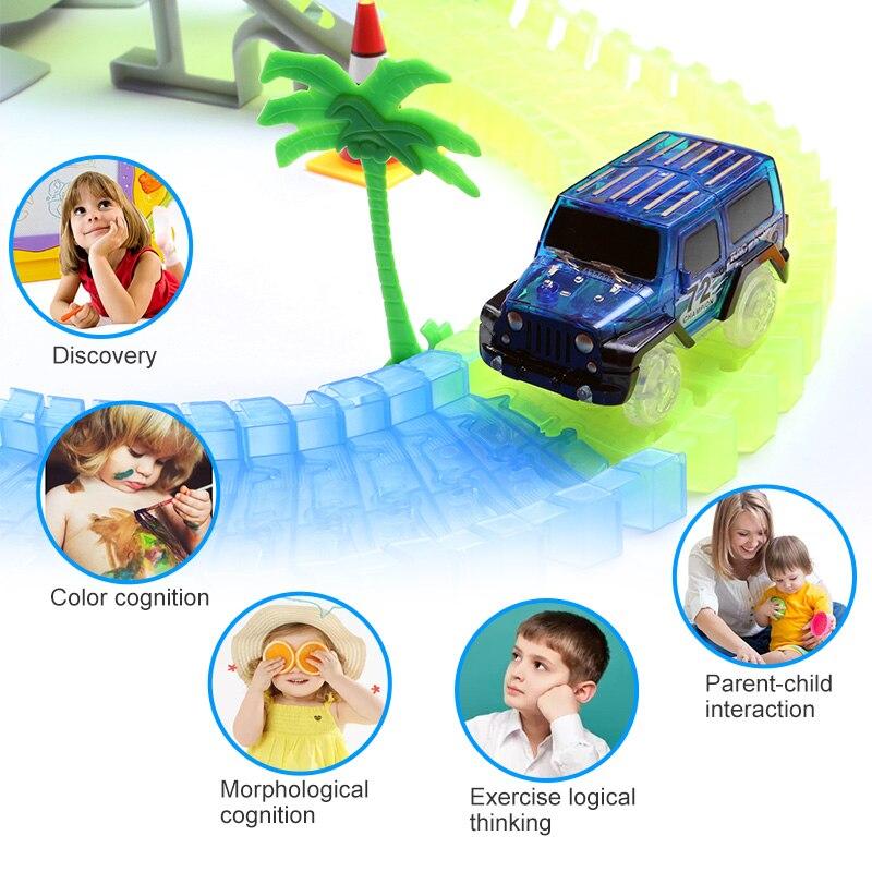 Circuit de course brillant magique plier Flash Flexible dans le noir pistes de course ensemble avec LED jouet de voiture pour les cadeaux d'anniversaire préférés de l'enfant