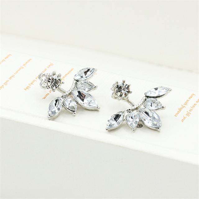 Stud leaf shaped earrings
