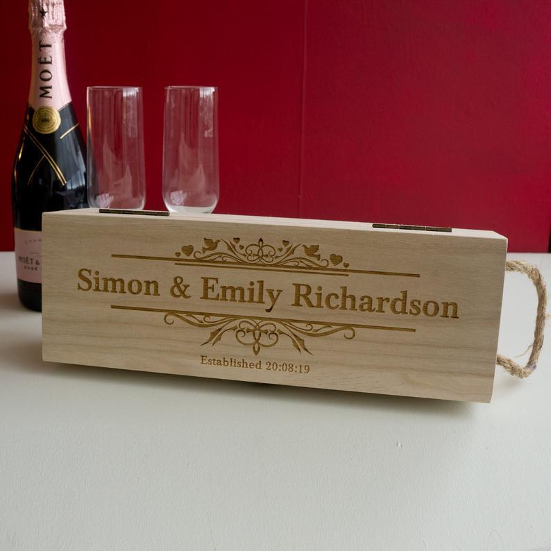 Custom Name Wood Wine Box Engraved Bride Groom Wedding Anniversary Gift Wine Holder Custom Wood Party Favor Wedding Accessories
