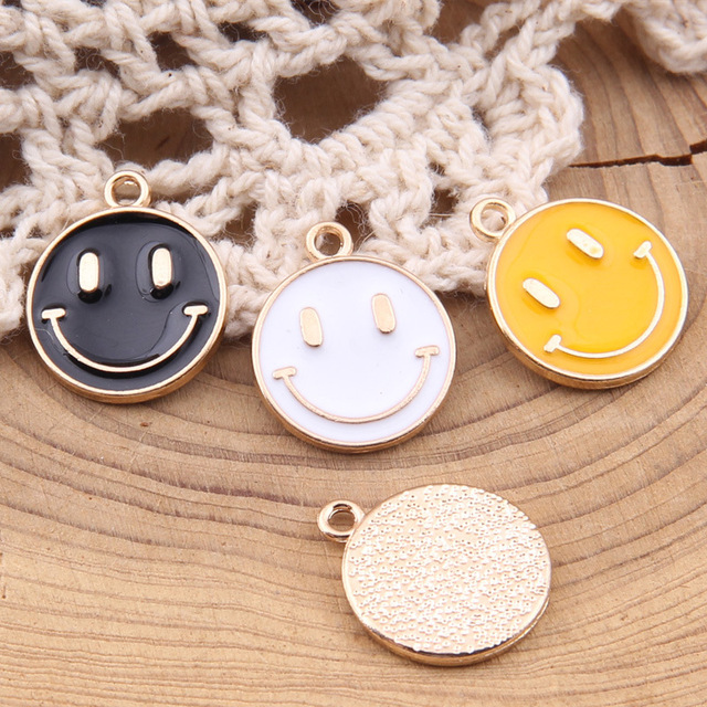 100pcs 19*15mm Cartoon smiley face oil alloy pendants DIY jewelry drop oil accessories