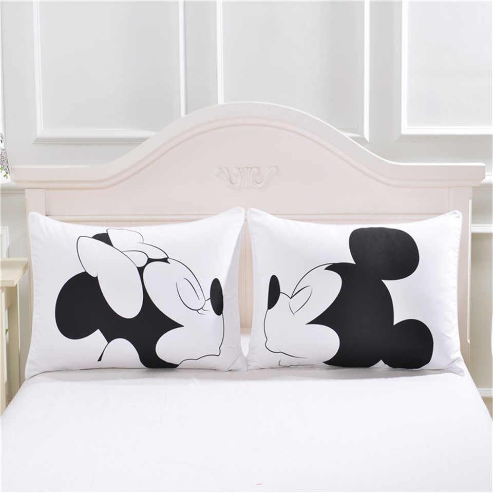 Disney Mickey Minnie Mouse 3D Sarung Bantal Hitam Putih