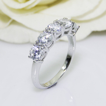 2.0CTW Round Cut DF Color Moissanite Center,14K Solid White Gold, Female Gold Ring,Wedding Ring,Pave Set Style