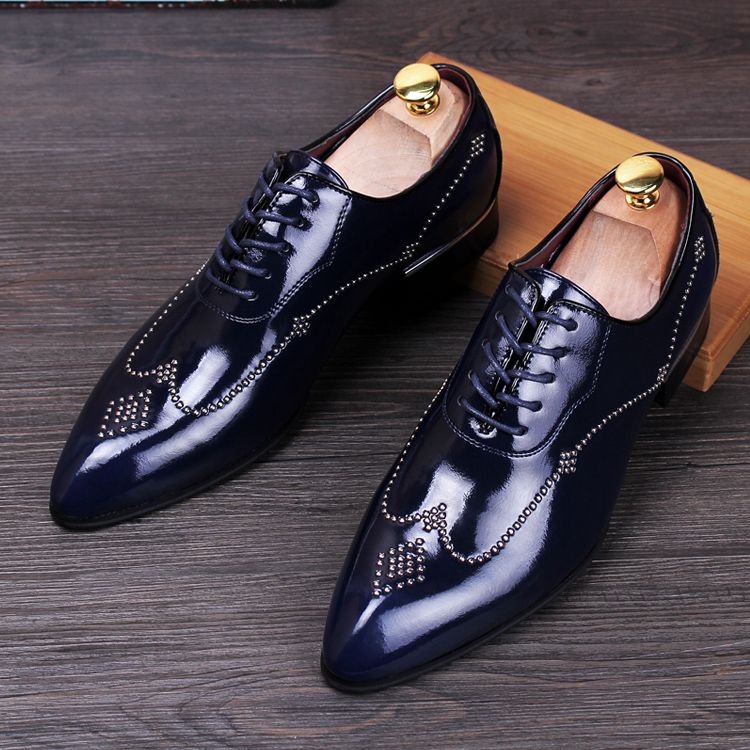 men fashion wedding stage nightclub dress rivet breathable genuine leather shoes pointed toe lace up bright flats oxfords shoe