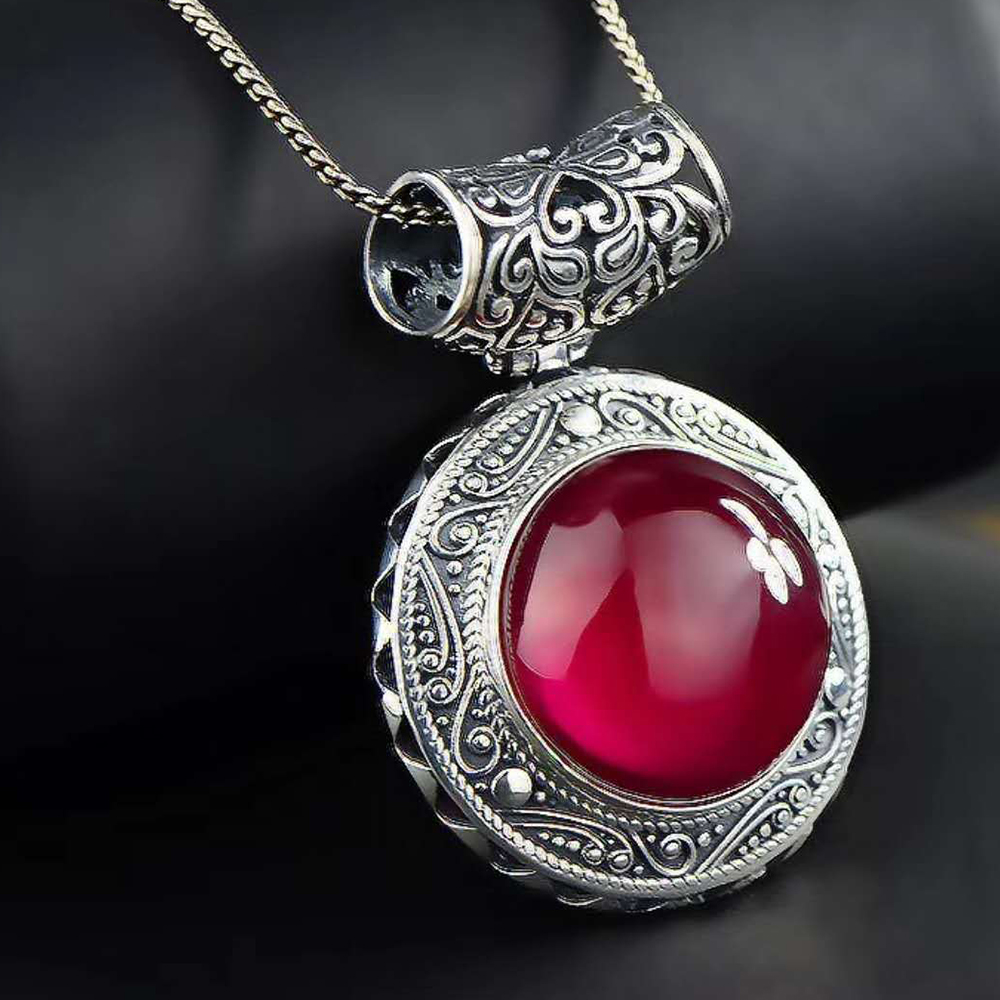 MetJakt Vintage Pattern Natural Red Corundum Pendant Necklace Solid 925 Sterling Silver Pendant for Sweater Chain