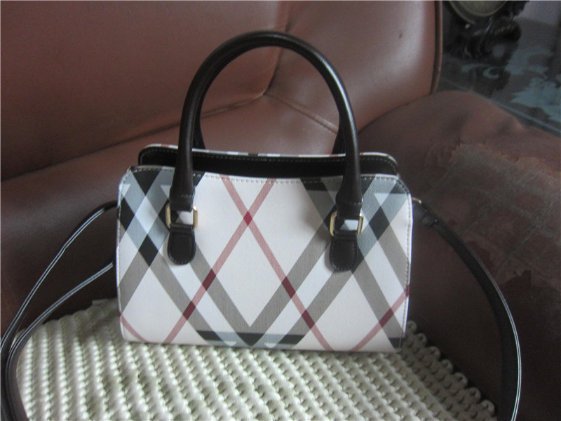 Здесь продается  qqpp 69.66-75.66usd mini shoulder bag female tide casual PU small backpack fashion woven renjie zhou 5.25  Камера и Сумки