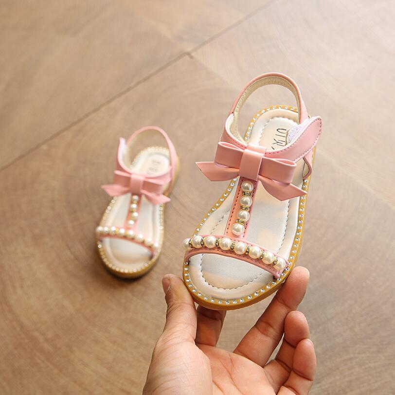 2019 Estilo Verão Meninas Sandálias Crianças Sandálias Bonito Arco Meninas  Sapatos Princesa Sapatos Da Criança Crianças Meninas Da Praia 1-6 Anos 4af6ac3b932