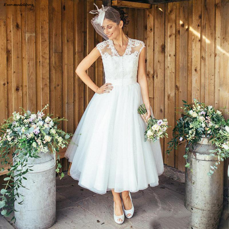 2019 Bohemian Tea Length Wedding Dresses Tulle Lace Appliques Sheer Cap Sleeves V-Neck Country Bridal Gowns Customized Casamento