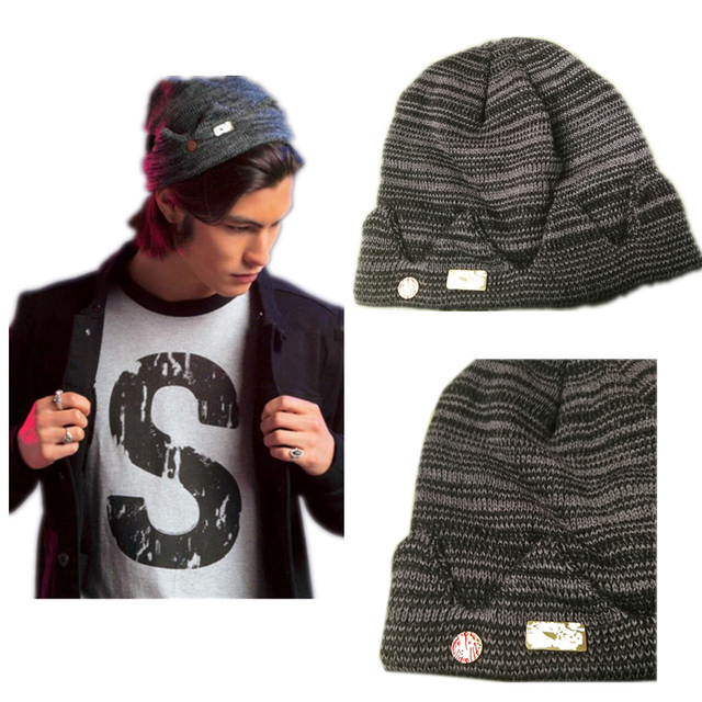 In stock Jughead Jones Riverdale Cosplay Beanie Hat Hot Topic Exclusive  Crown Knitted Cap-in Boys Costume Accessories from Novelty   Special Use on  ... 9fa846e3d08