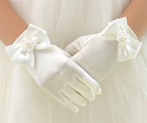 Image 2 - 10pc/ lot Kid child flower girl short gloves white red pink student lace glove costume dacning glove free shipping wholesalelace gloveswholesale lace glovesgloves white -