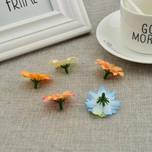Image 4 - 50pcs di Seta piccole margherite a buon mercato vite dei fiori Artificiali decorazione di Cerimonia Nuziale corona FAI DA TE contenitore di Caramella accessori Falso Girasole