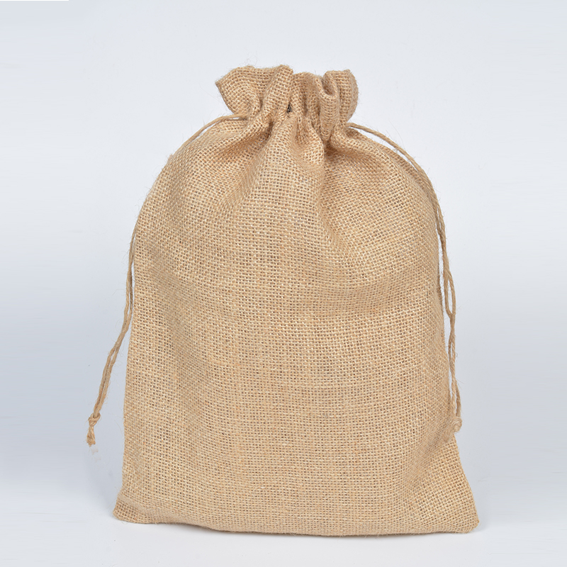 Us 26 86 15 Off 25x35cm Large Natural Jute Gift Burlap Drawstring Bag For Coffee Beans Jewelry Packaging Wedding Favor Sack 10pcs In Bags