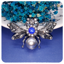 Luxury Design of Retro Style Queen Bee Brooch Pin Unique Women Party Anniversary Jewelry Gift все цены