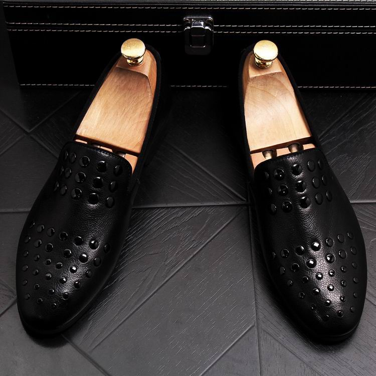 New Arrival Luxury Men Black Loafer Shoes Fashion Designer Slip On Rivets Trending Casual Shoes Man British Chic Zapatos 4