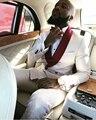2017 Novos Homens Ternos Magro Custom Made Moda Noivo Vestido de Negócios Ternos de Casamento branco Do Noivo Smoking Blazer