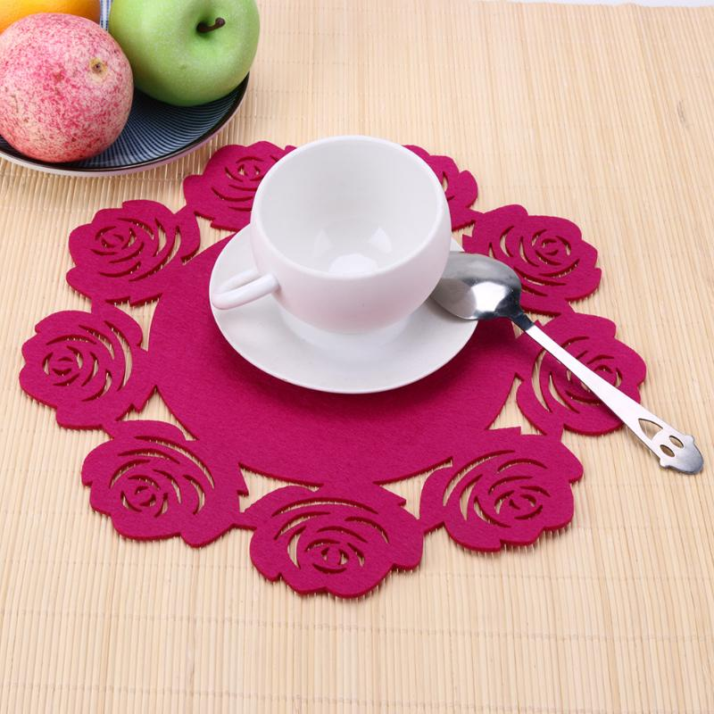 1pc Creative Felt Table Mat Hollow Insulation Table Pad Anti-Slip Bowl Cup Placemat Craft Wedding Christmas Table Decoration