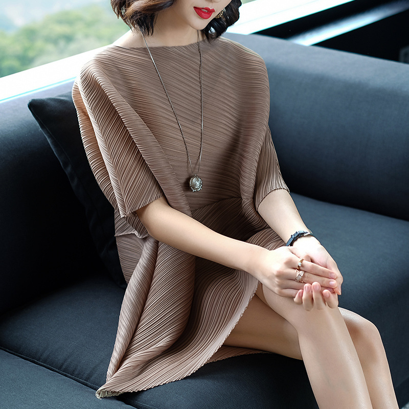 Plus Size Dress Women Spring Autumn Solid Color O-Neck Batwing Sleeve Loose Irregular Stretch Miyake Pleats Dress For 45-80kg