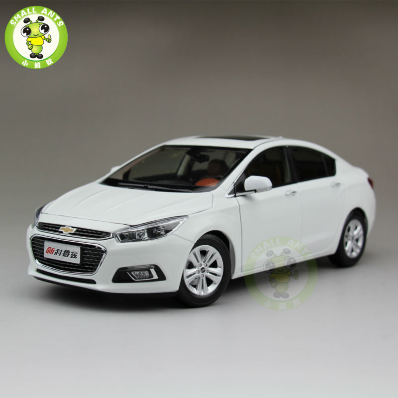 1:18 Chevrolet New Cruze 2015 Diecast Car Model White-in