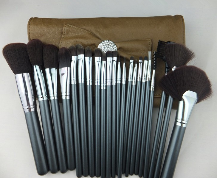 Supernova Sale! 2015 New Professional 22Pcs 22 Pcs Cosmetic Facial Make Up Brush Kit Makeup Brushes Tools Set + Leather Case hot sale 2016 soft beauty woolen 24 pcs cosmetic kit makeup brush set tools make up make up brush with case drop shipping 31