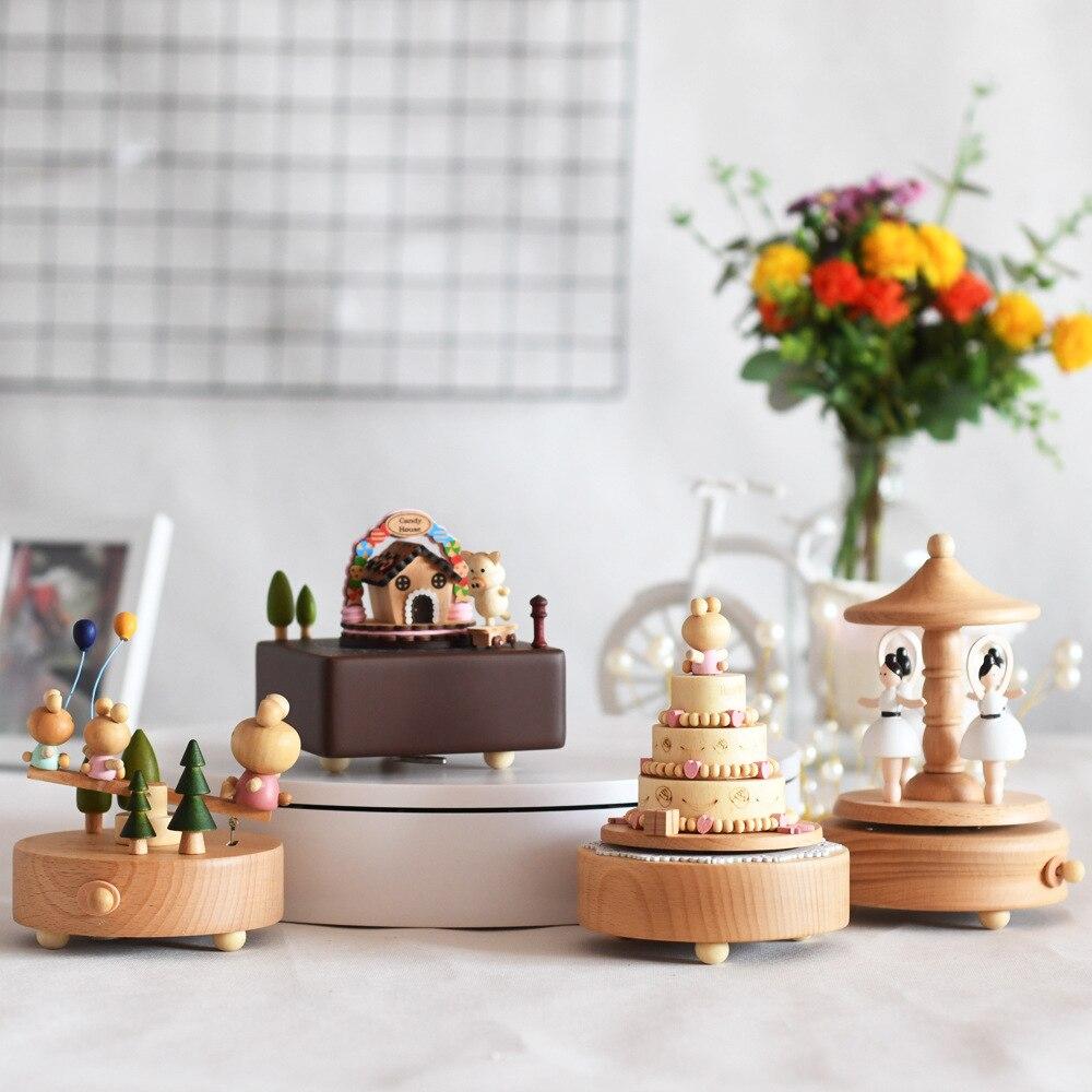 Cadeau créatif cadeau d'anniversaire boîte à musique en bois cheval de troie rotatif artisanat pour enfants boîte à huit tons personnalisable
