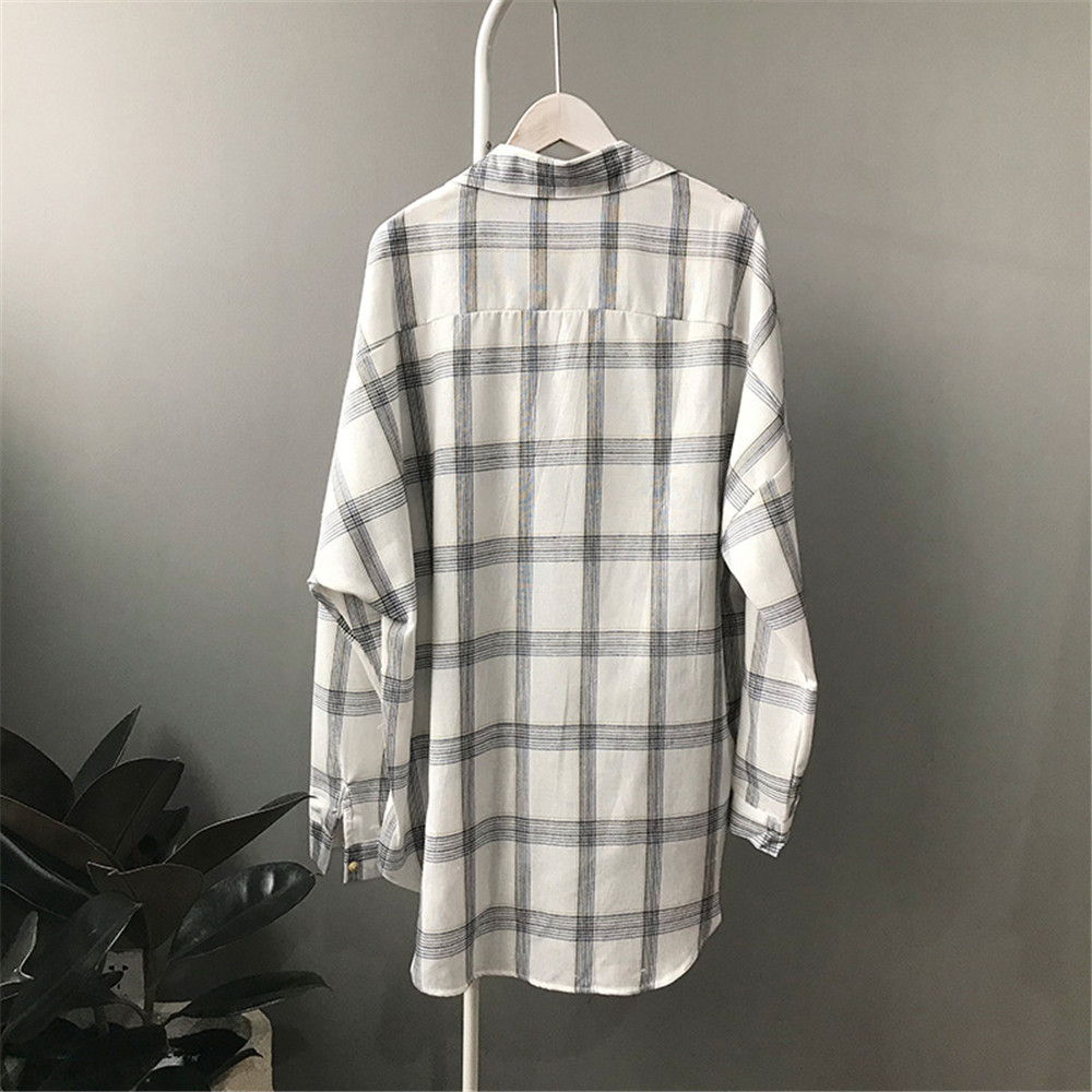 Big Loose women plaid blouses shirts 2018 Women Office Air Conditioner Blouse Shirt Female Outerwear Casual Pocket Shirts (10)
