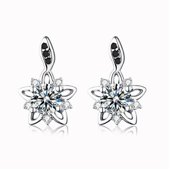 Romantic 1.8g 925 Sterling Silver Jewelry Engagement Stud Earrings for Women Star Black&White Earring Bijoux T032