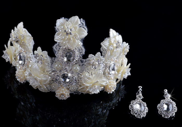Luxury Baroque style crown bridal wedding hair accessary tiara beige classical quees style tiara shell pearl crystal flower