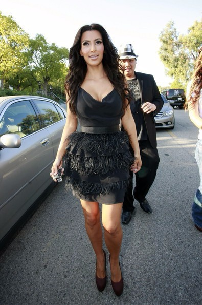 Kim-Kardashian-Dresses-Black-V-Neck-Sleeveless-With-Feathers-Tiered-Short-Bandage-Celebrity-Dress-2016-High (4)