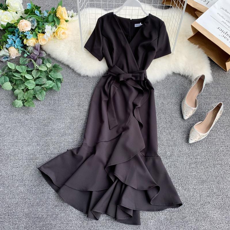 2019 new fashion women's dress retro sexy short-sleeved high-waist straps split irregular ruffled dress 3