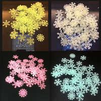 50 sztuk Luminous naklejki świecą w ciemności Diy boże narodzenie oświetlenie do pokoju dziecięcego Up zabawki chłopcy dziewczęta fluorescencyjne snowflake zabawki ke zabawki