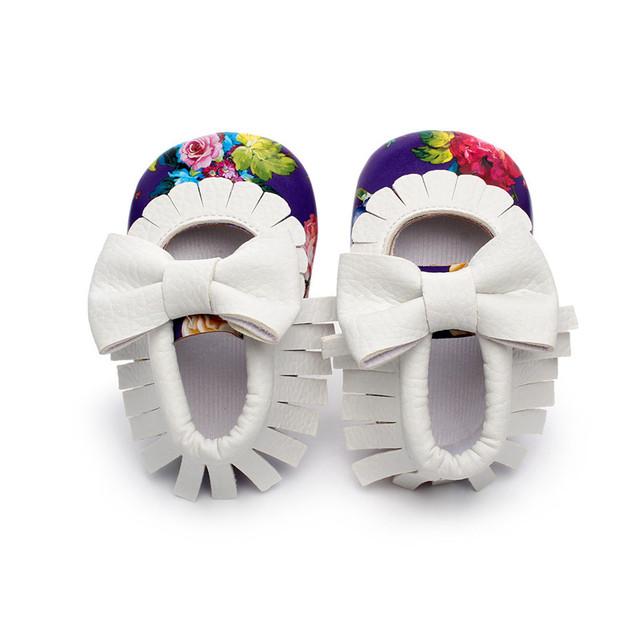 2017 Fashion Fringe Butterfly-Nudo Recién Nacido Niño/Niña Bebé Mocasín Zapato de Bebé FirstWalker Zapato Suave de Alta Calidad Al Aire Libre 10-14 CM