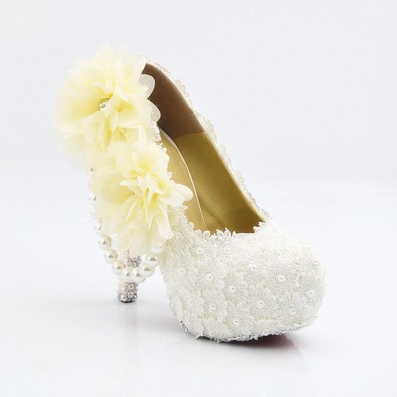 Donne di estate pizzo bianco gioielli tavolo impermeabile scarpe tacco alto pompe femminile filo della perla di cerimonia nuziale floreale - 4