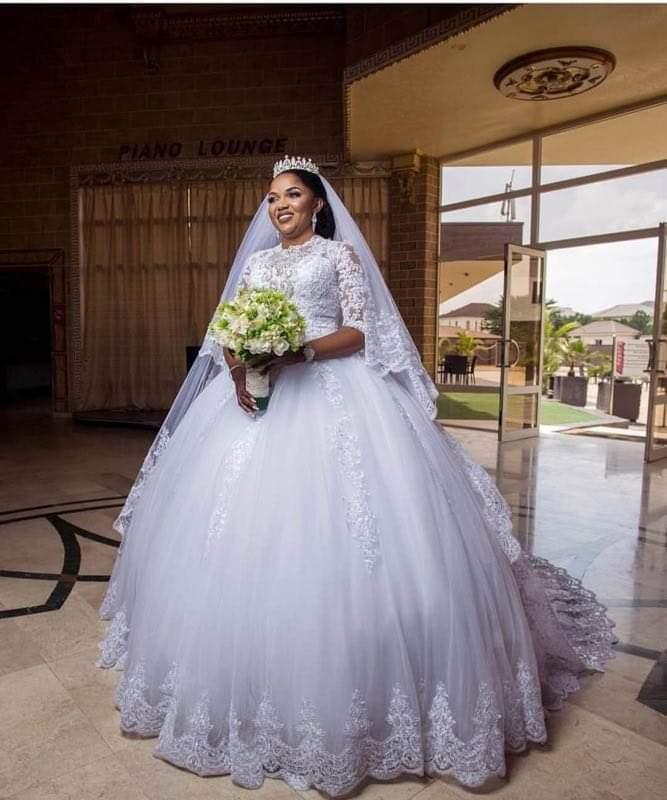 Well Design High Neckline Half Sleeves Ballgown Wedding Dresses Floor Length Lace Appliques Bride African Women Wedding Dress