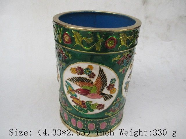 Cloisonne painting of flowers and birds in ancient China.Brush potCloisonne painting of flowers and birds in ancient China.Brush pot