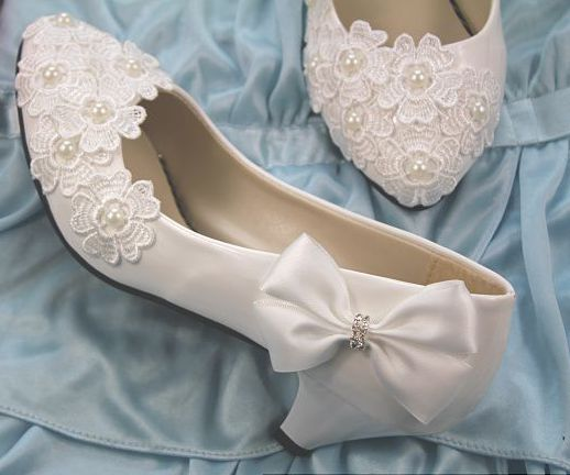 New 2018 women s wedding shoes white low high heels bow flower lace bridal wedding pumps