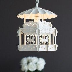 Nordic nowoczesny minimalistyczny karuzela dla dzieci pokój żyrandol osobowość twórcza salon sypialnia pokój księżniczki lampa znaczek darmo w Wiszące lampki od Lampy i oświetlenie na