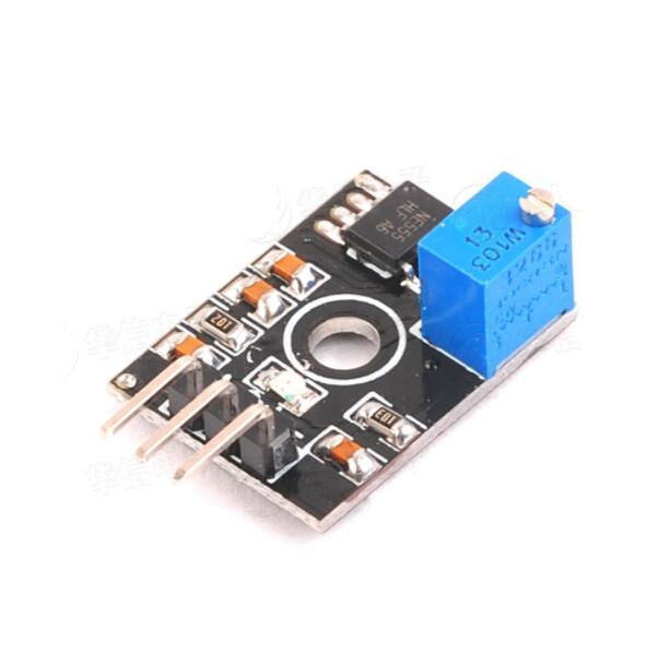 NE555 Pulse Output / Adjustable Module / Square Wave Output / Multivibrator(China)