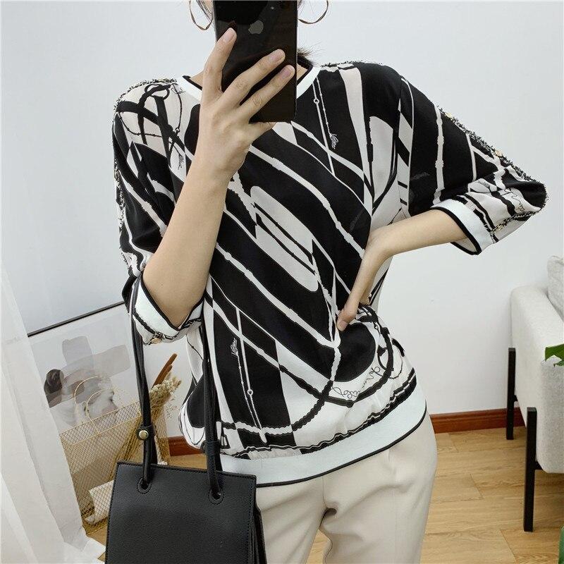 女性のシルクのシャツ 2019 新春/夏袖の服チェーンプリントシルク tシャツ女性  グループ上の レディース衣服 からの Tシャツ の中 1