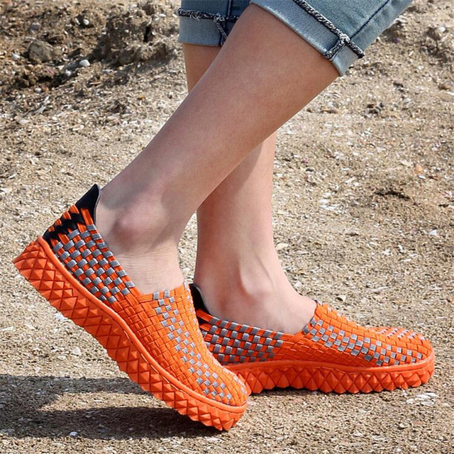 Breathable Weave Shoes Women Super Light Air Mesh Casual shoes Unisex Stretch Fabric Flat Shoes Elastic Band shoe Large size