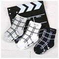 W039 Бесплатная доставка 1-3 лет полосатый черно-белый плед хлопок нескользящей резины точка осень и зимние детские носки