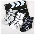 w039 Free shipping 1-3 years old striped black and white plaid cotton  Non-slip rubber point autumn and winter children's socks