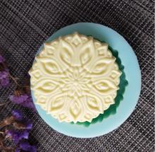 PRZY QT0124 silicone mold soap mould Embossed flower cake handmade making molds candle resin clay