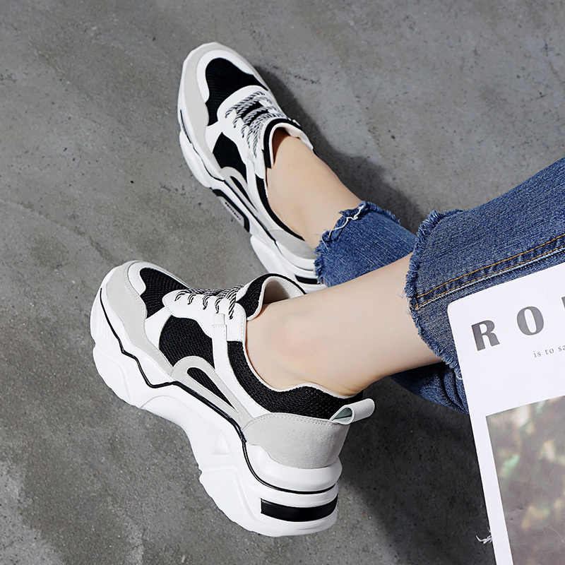 Gorący sprzedawanie zwiększyć tata buty kobiet 2019 nowe letnie oddychające dzikie grube super ogień netto czerwony trampki damskie buty