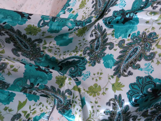 Soft Polyester Charmeuse Material Elegant Paisley Floral Print Satin Fabric For Scarfs Dresses