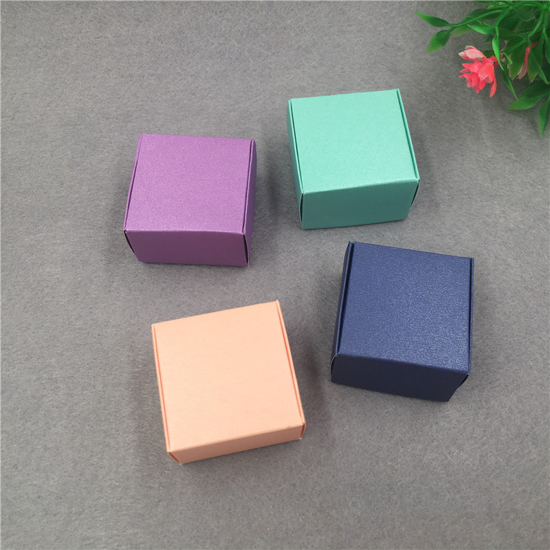 Image 3 - 50pcs/lot 4x4x2.5cm Small Kraft Cardboard Packing Gift box MiNi Lovely Aircaft Paper Box Handmade soap Packing Box-in Gift Bags & Wrapping Supplies from Home & Garden