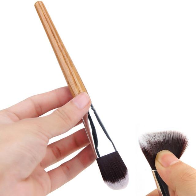 Bamboo Uchwyt Pędzle Do Makijażu Pędzle Concealer Brush Powder Foundation Bardzo Miękkie Maski Twarzy Pędzle Do Makijażu Kosmetyki Narzędzia M03399