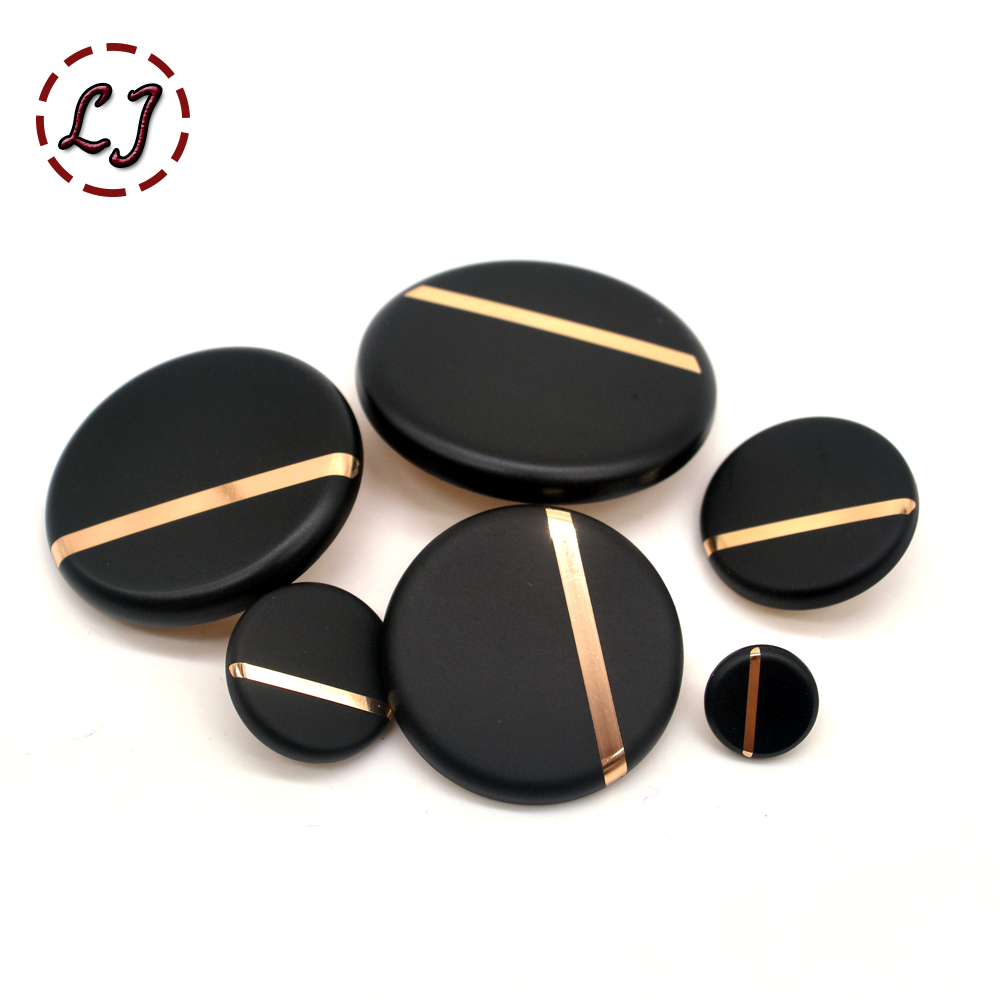 New fashion classic <font><b>30mm</b></font> 40mm big decorative sewing <font><b>buttons</b></font> high quality plane black <font><b>buttons</b></font> for shirt overcoat accessory DIY image