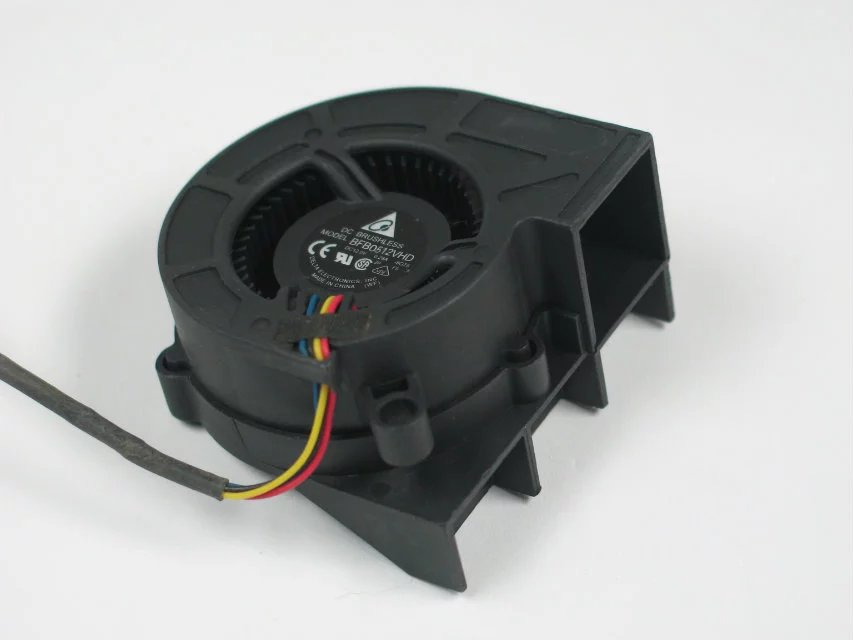 купить  Free shipping For Delta BFB0512VHD, -8G75 DC 12V 0.28A, 50x50x20mm 4-wire 4-pin connector Server Blower  fan  онлайн